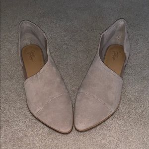 NIB Crown Vintage Shay almond suede shoe